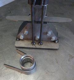 Pivot Plate Press One